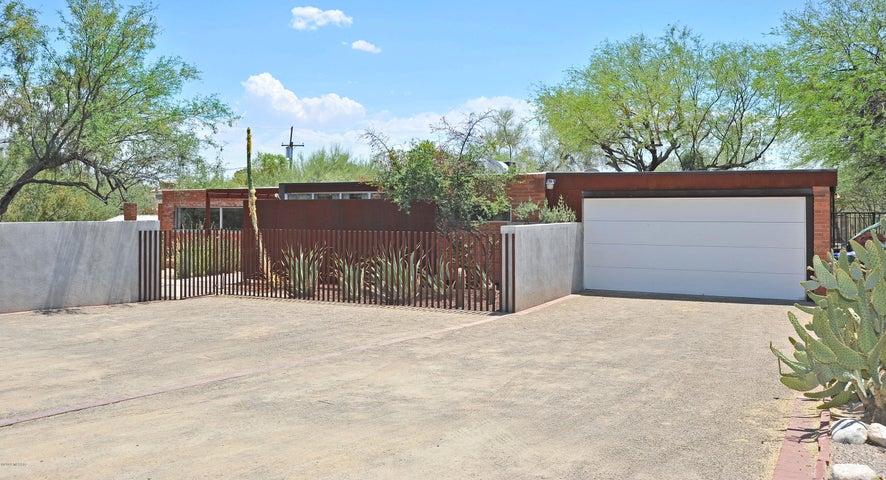 5565 N Linda Road, Tucson, AZ 85704