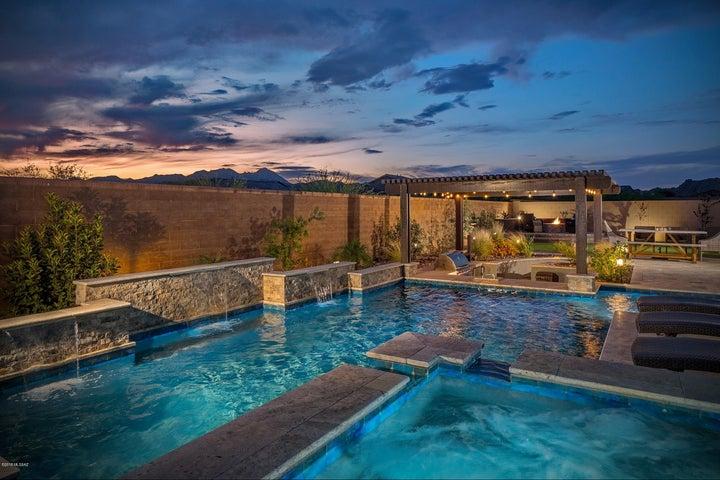 13471 N Trailing Indigo Court, Oro Valley, AZ 85755