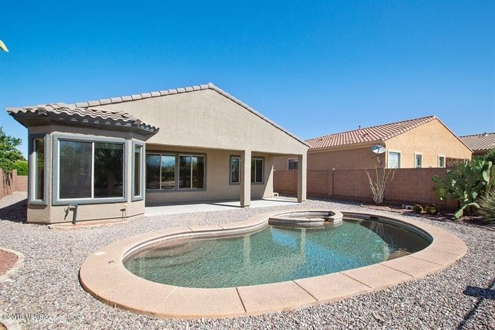 12696 N New Reflection Drive, Marana, AZ 85658