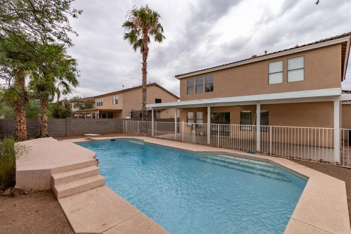 8727 E Getsinger Lane, Tucson, AZ 85747