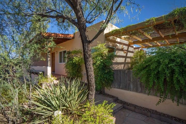 4972 N Siesta Drive, Tucson, AZ 85750