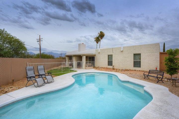 9002 E Berkshire Place, Tucson, AZ 85710
