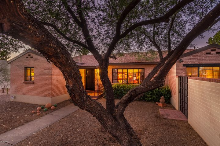 2725 E 8th Street, Tucson, AZ 85716