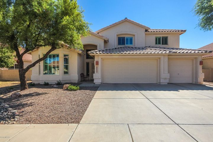 12386 N Echo Valley Drive, Oro Valley, AZ 85755