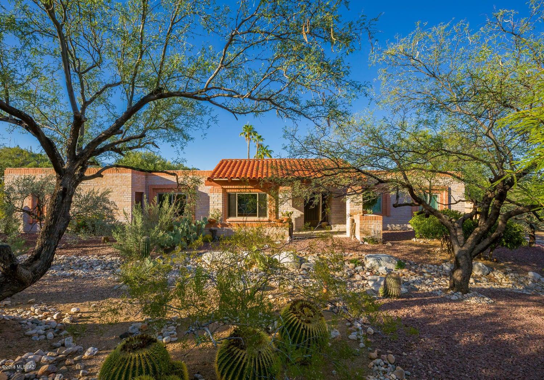 4180 N Larrea Lane, Tucson, AZ 85750