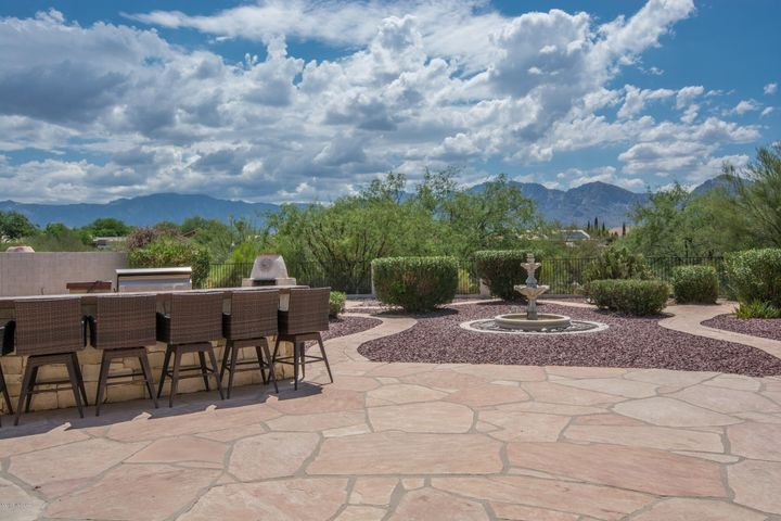 11498 N Mountain Breeze Drive, Oro Valley, AZ 85737