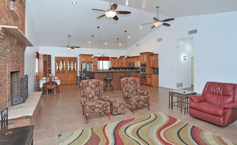 10490 E Golf Links Road, Tucson, AZ 85730
