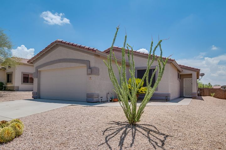 Pulte Home ,Front View Easy Care yard