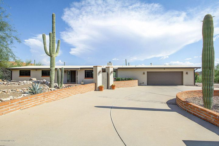 4440 E Quivira Place, Tucson, AZ 85718
