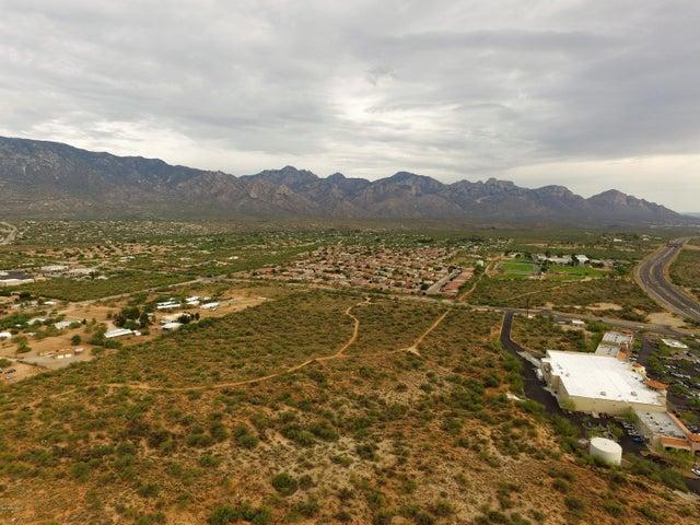 15415 N Twin Lakes Drive, Catalina, AZ 85739