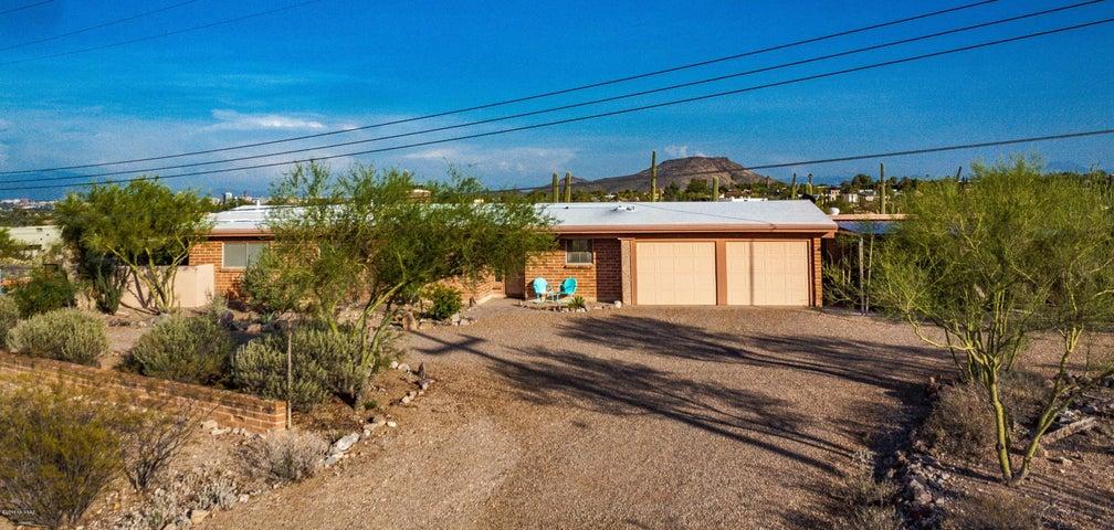 3245 W Royal Copeland Drive, Tucson, AZ 85745