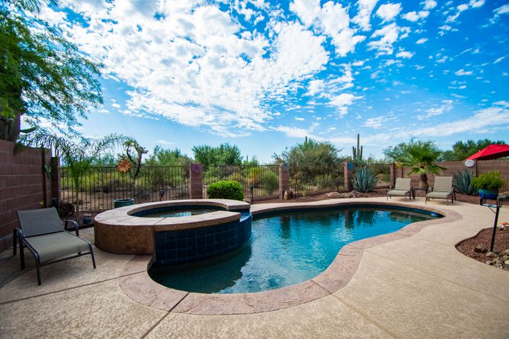 12714 N New Reflection Drive, Marana, AZ 85658