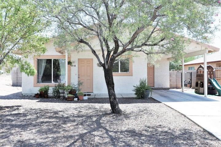 718 W Carolchristine Place, Tucson, AZ 85756