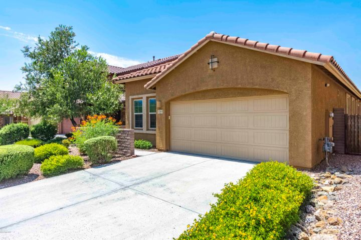 This single story, 1800 Sq.ft. - Lennar Home - only 5 years old and shows like a new model.