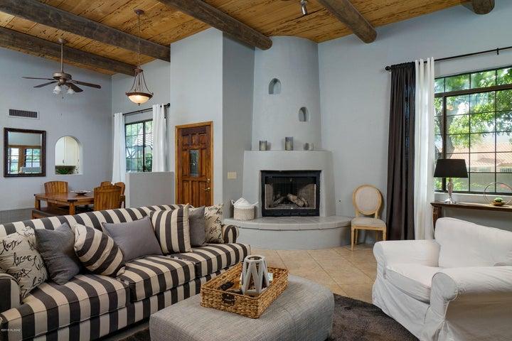 191 W Wagoneer Place, Oro Valley, AZ 85755
