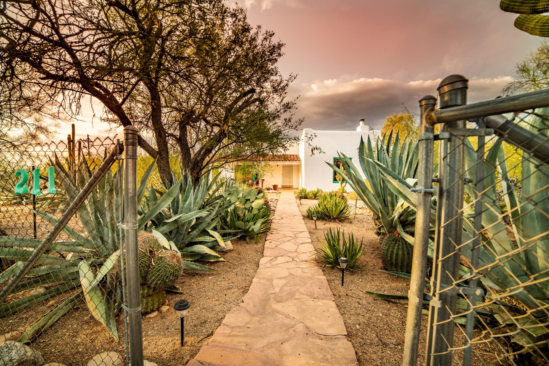 211 E Rudasill Road, Tucson, AZ 85704