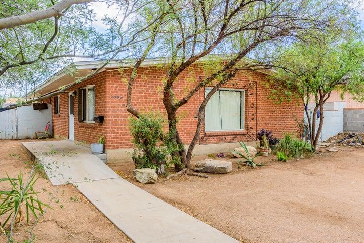 2608 E Adams Street, Tucson, AZ 85716