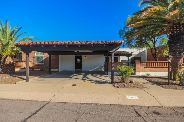 142 W Los Robles, Green Valley, AZ 85614
