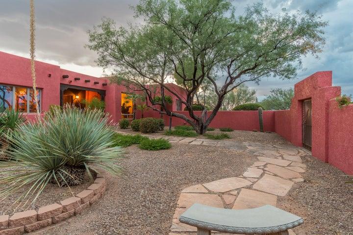12675 W Carolyn Lane, Tucson, AZ 85735