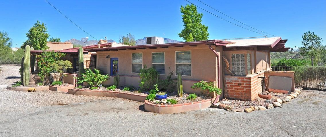 706 W Cresta Loma Drive, Tucson, AZ 85704