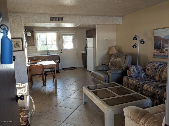 357 S Paseo Quinta, B, Green Valley, AZ 85614