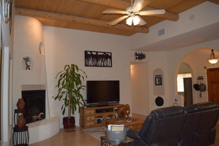 17470 Curtis Street, Marana, AZ 85653