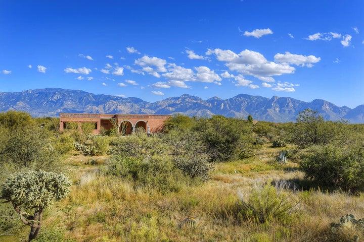 1570 W Niner Way, Oro Valley, AZ 85755