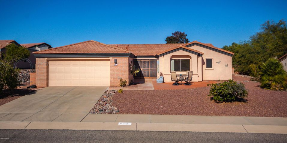 818 W Welcome Way, Green Valley, AZ 85614
