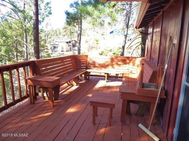 Back deck, built in seating