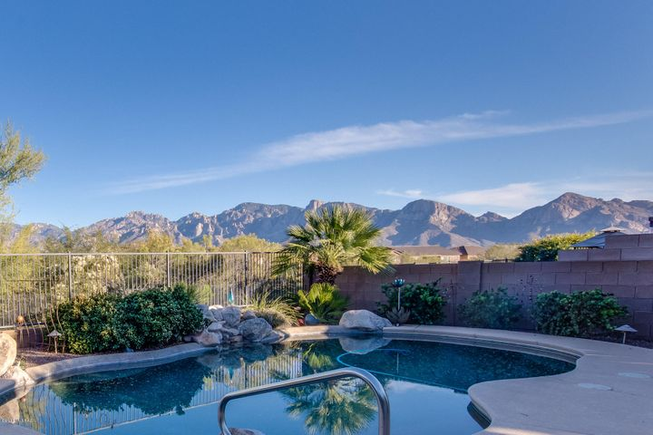 12976 N Yellow Orchid Drive, Oro Valley, AZ 85755