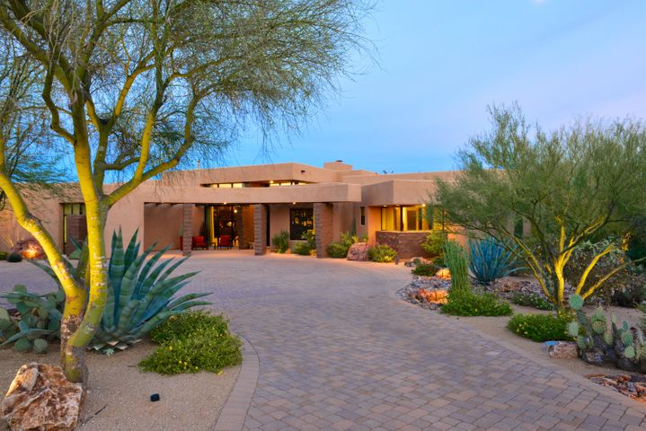14588 N Quiet Rain Drive, Oro Valley, AZ 85755