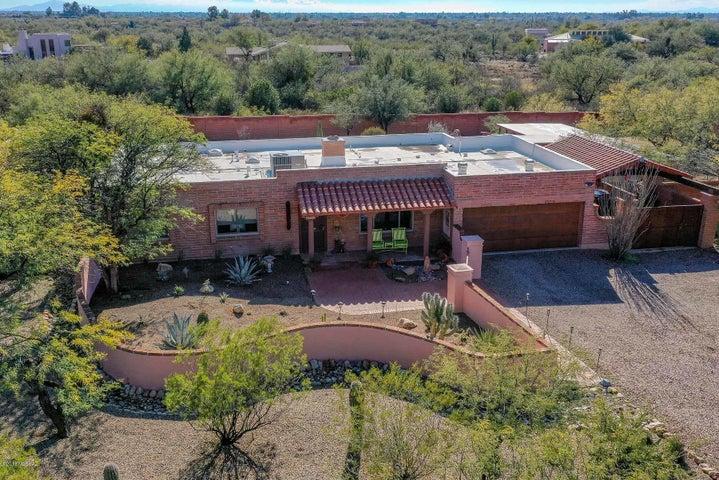 8810 E Bear Place, Tucson, AZ 85749
