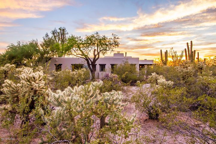 315 N Indian House Road, Tucson, AZ 85711
