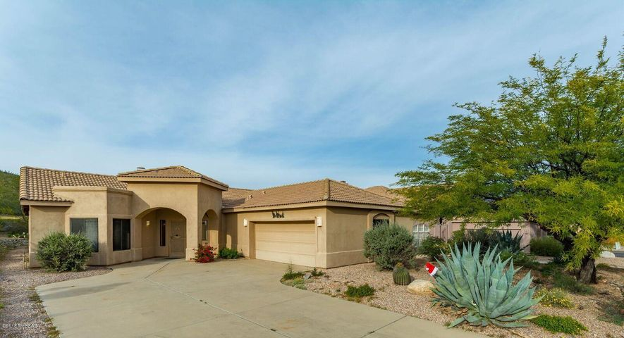 712 S Deer Bend Court, Tucson, AZ 85745