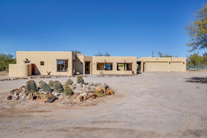 9030 N Camino Coronado, Tucson, AZ 85704