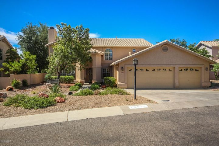 10717 N Glen Abbey Drive, Oro Valley, AZ 85737