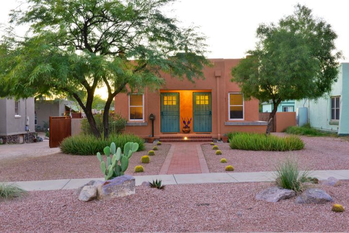 Beautiful Double Brick home located in Central area of Tucson