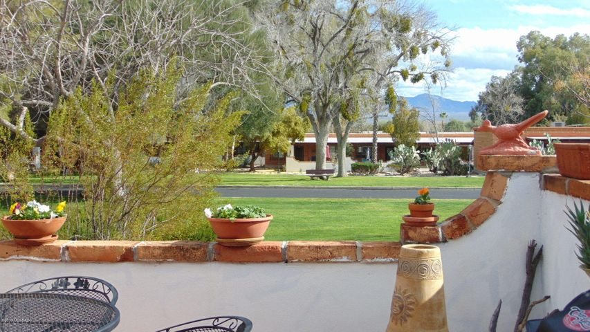 380 S PASEO LOBO, D, Green Valley, AZ 85614