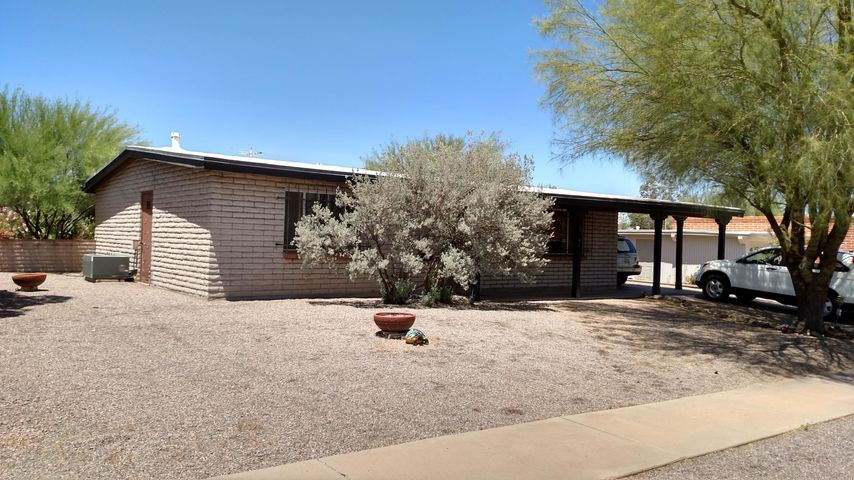 149 E El Limon, Green Valley, AZ 85614
