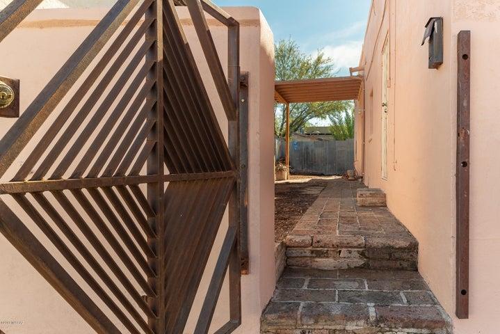 Unique Gate to private back yard