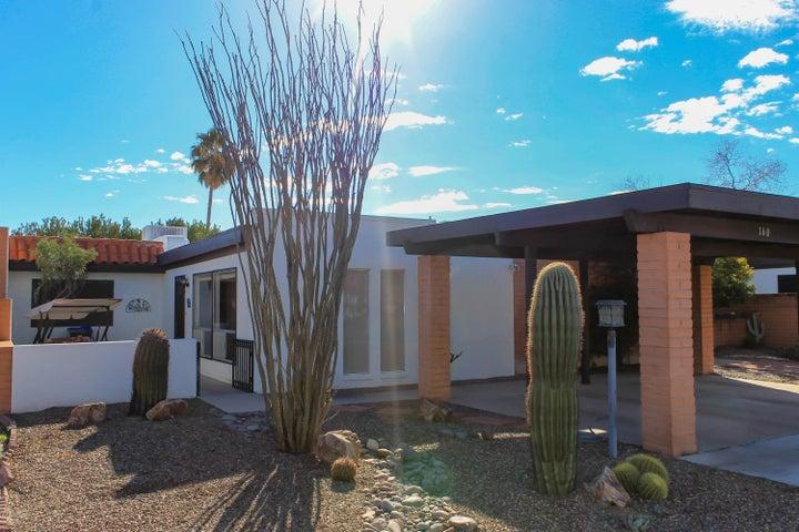 160 N Calle Del Diablo, Green Valley, AZ 85614