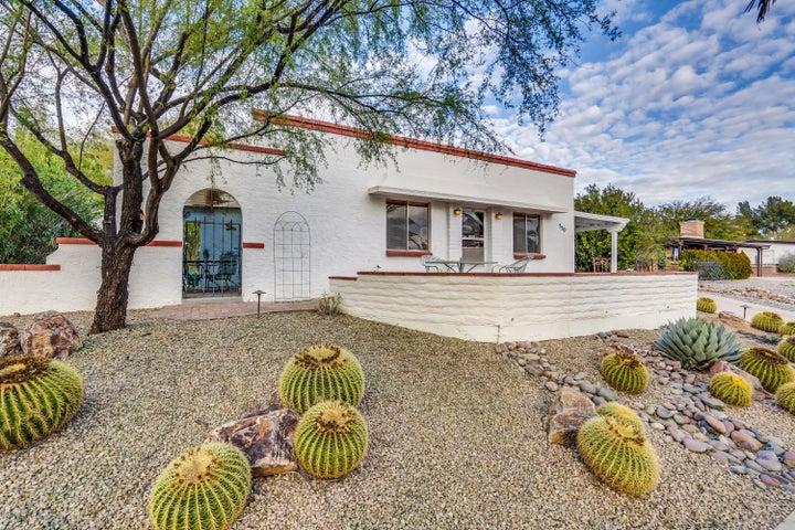 550 S Abrego Drive, Green Valley, AZ 85614