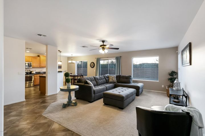18182 S Dusk View Drive, Green Valley, AZ 85614