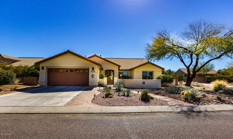 2194 E Falcon Vista Drive, Green Valley, AZ 85614
