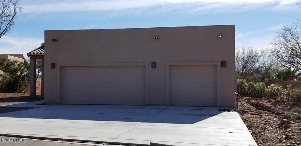 906 E Florida Saddle Drive, Green Valley, AZ 85614