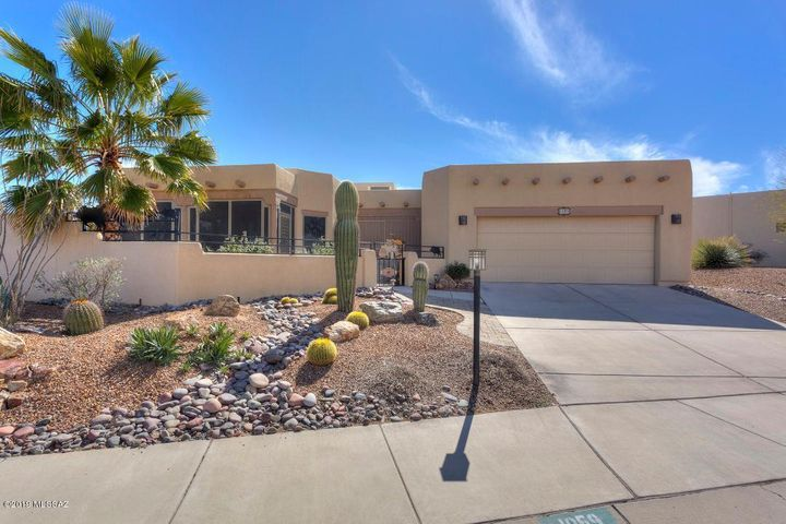 1059 W Paseo Del Cantante, Green Valley, AZ 85614