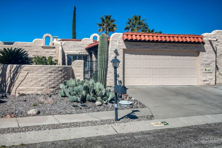1202 W Círculo Del Norte, Green Valley, AZ 85614