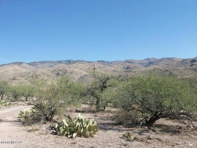 353 E Red Hill Ranch Road 1, Vail, AZ 85641