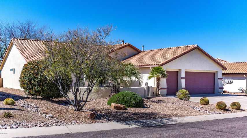 2224 E Falcon Vista Drive, Green Valley, AZ 85614