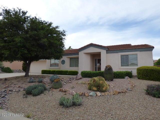 886 W Belltower Drive, Green Valley, AZ 85614